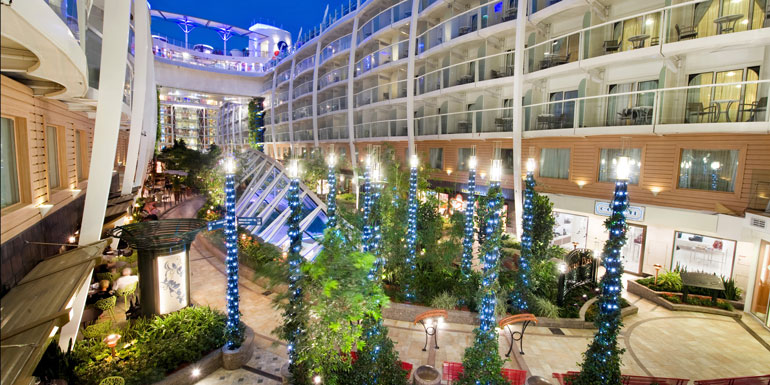 tour the ship royal oasis seas