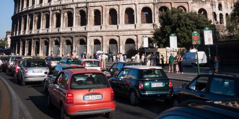 traffic rome port cruise ship