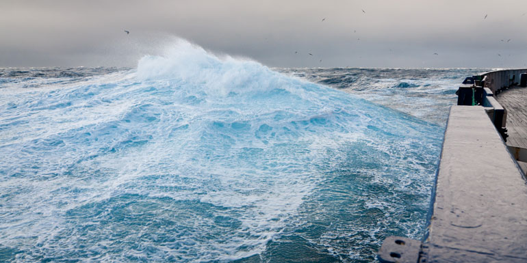 drake passage cruise rough water sea