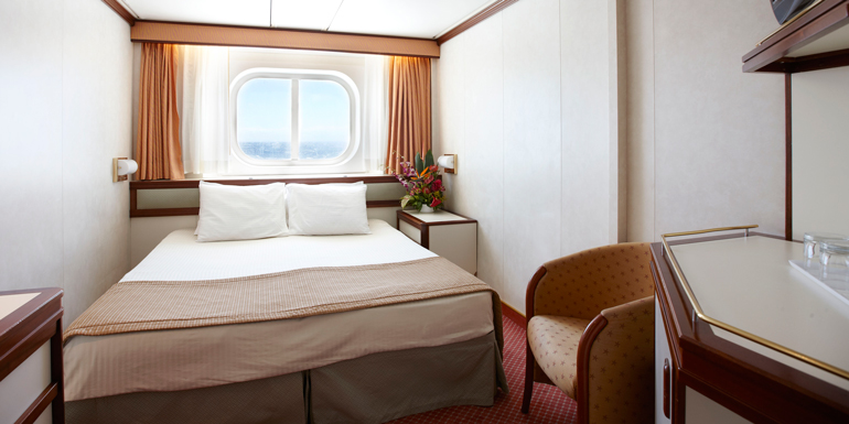 oceanview cruise ship cabin