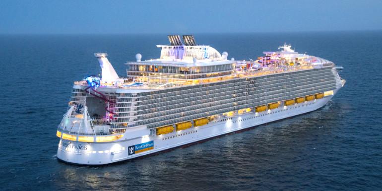 royal caribbean orders oasis class ship