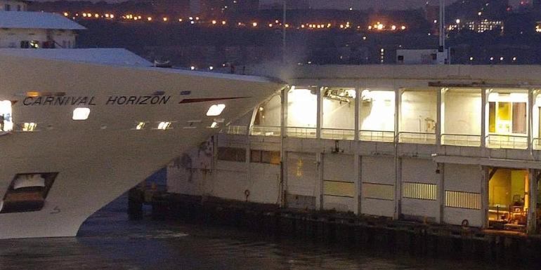 carnival horizon manhattan crash cruise pier