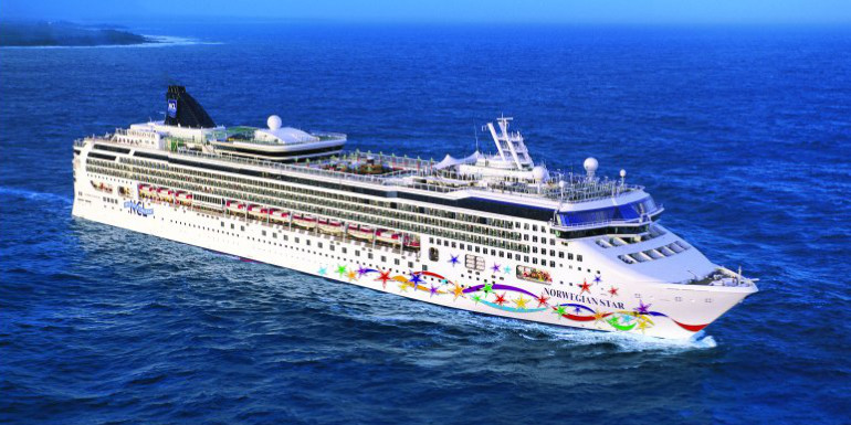 norwegian star overboard british woman rescued